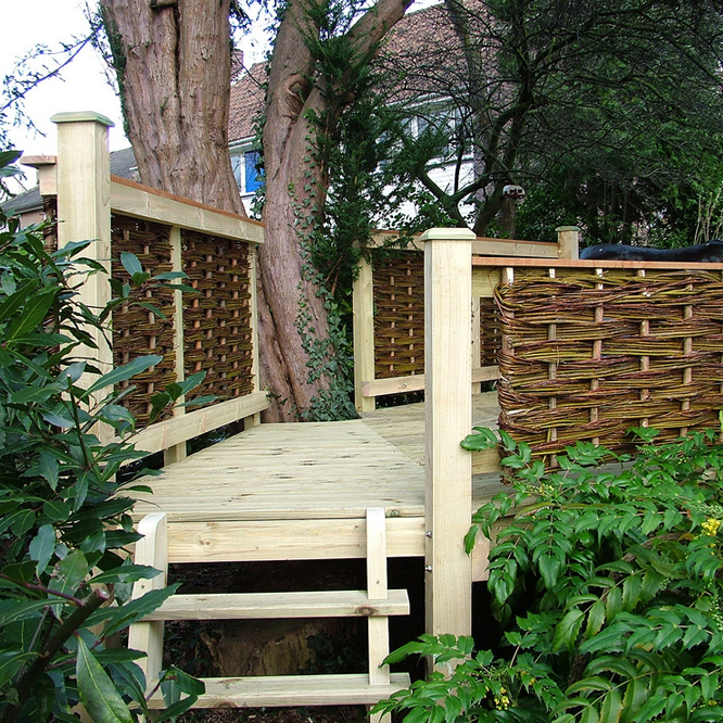 Willow Hurdle Decking - treesaurus